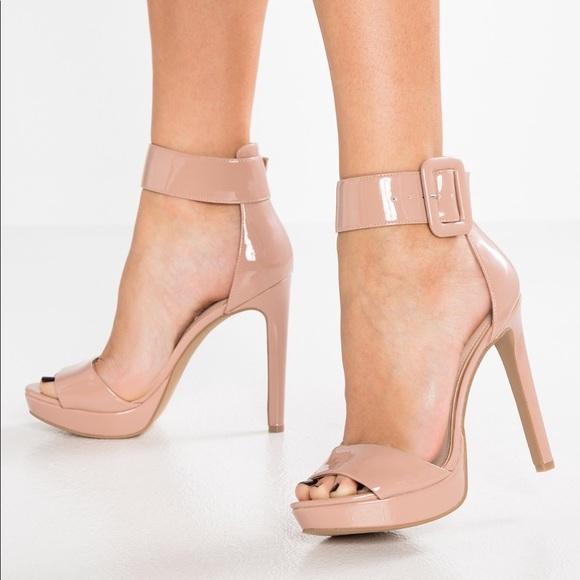 adfe104b24fc6 Steve Madden Shoes | Nib Size 7 Circuit Sandal | Poshmark